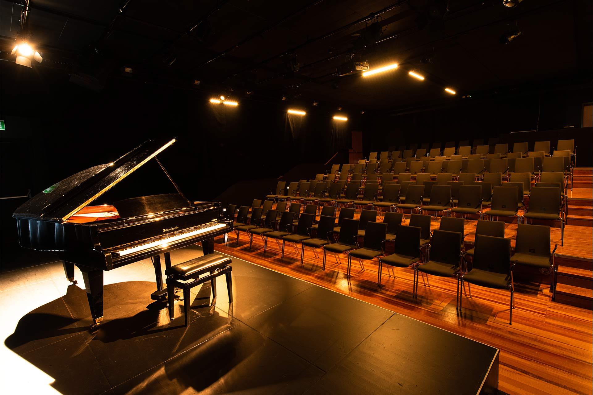 k1 traunreut studiotheater reihenbestuhlung